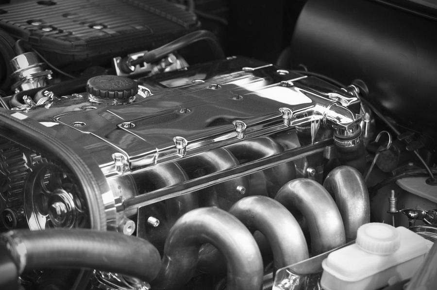 Профессиональная мойка двигателя вашего авто