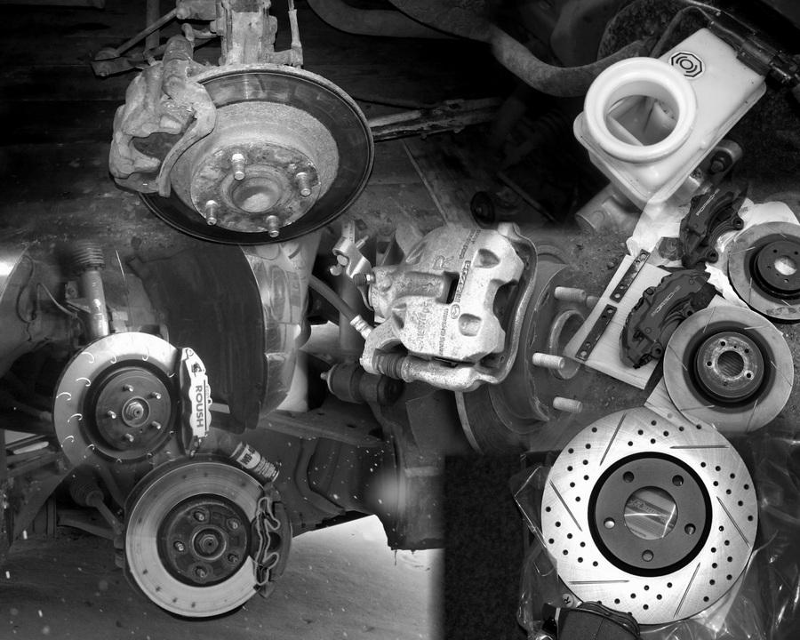 Снятие и замена задних тормозных колодок Mazda 3
