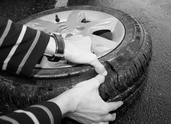 Как обойтись без запаски в случае прокола колеса