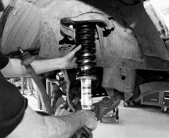 В автосервисе ремонтируются и обслуживаются